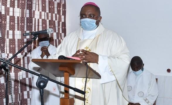 Dioceses - Cabinda: Bispo alerta pela falta de sabedoria na governação