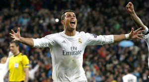 3 Golos de CR7 qualificam Real as meias finas